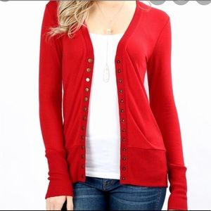 🐈 Women's Red Snap Cardigan Like New